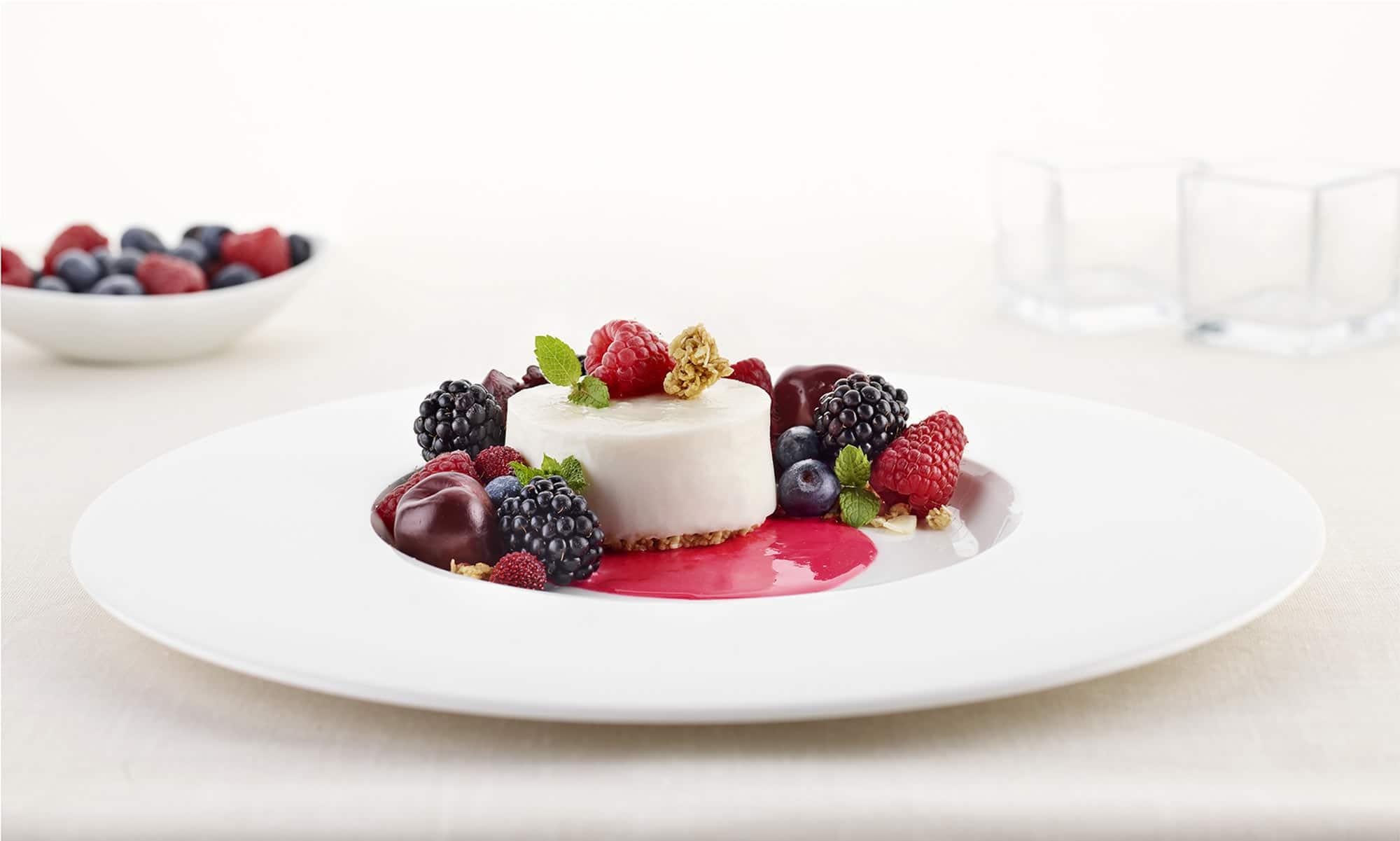 Latte Varese Frutti di Bosco Food Shot by Fotografando