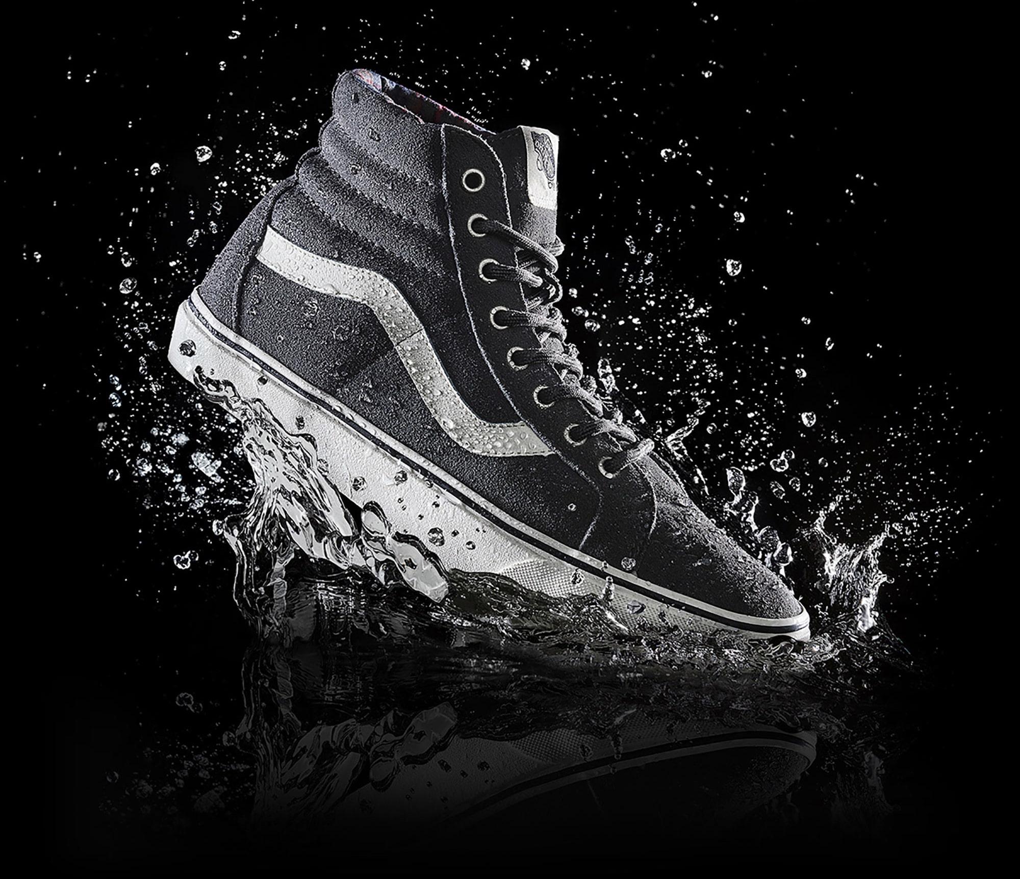Balck Shoes Water Still Life Shot for Vans by Fotografando